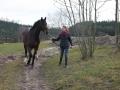 Eschenbruch, 20.02.14, Anika und Consuelo beim Spaziergang